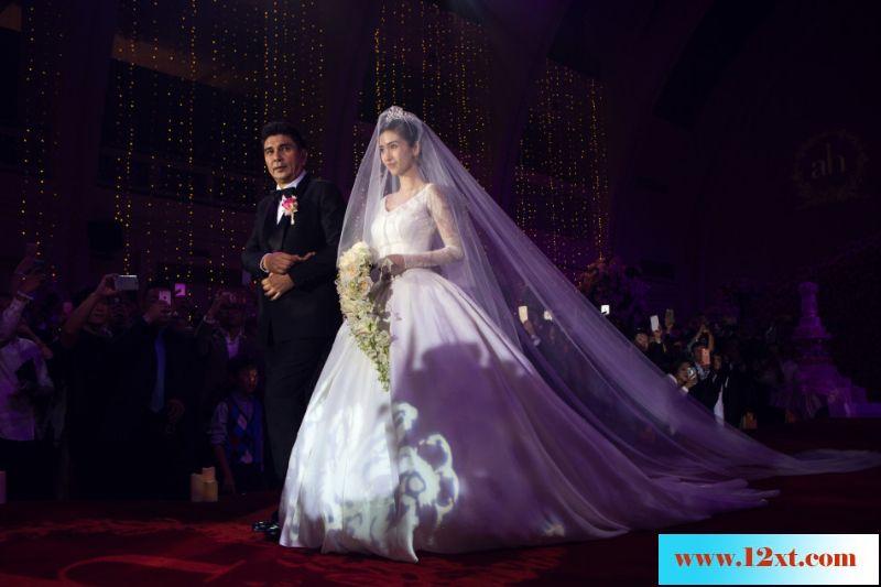 Angelababy婚纱照10P