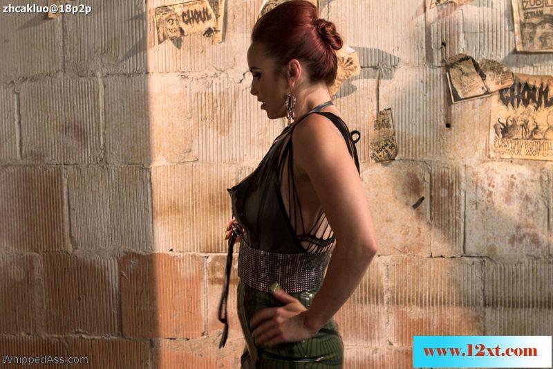 WhippedAss——虐待狂贝拉刑虐乌木健美运动员玛丽