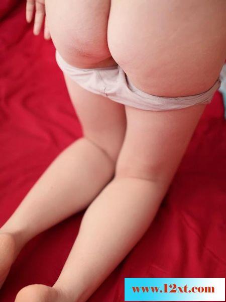 肥美的臀部和精致的性器特寫[13P]