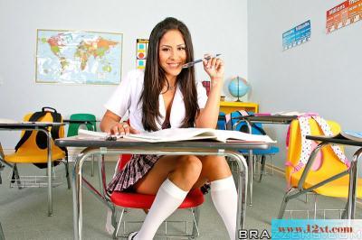 高中生喜欢老师大公鸡(15P)