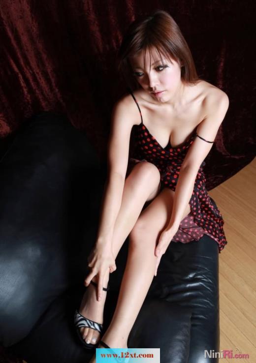 大方展示美丽丝袜(17p)