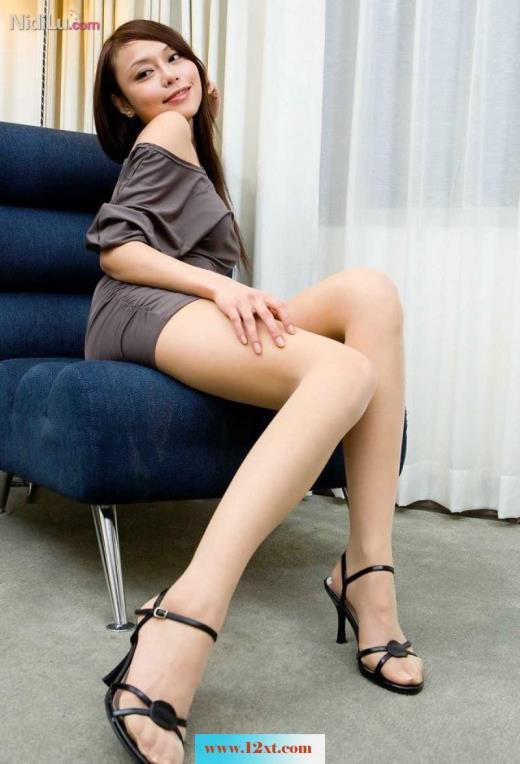 抚媚动人的身姿漂亮高挑的身材肉丝长腿诱惑(