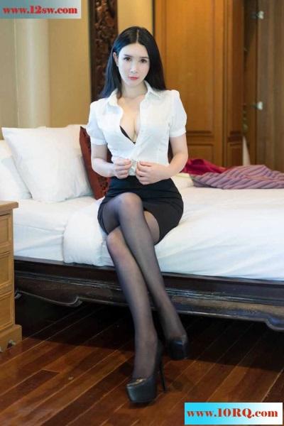 香蕉妹黑丝长腿床上激情四射(17p)