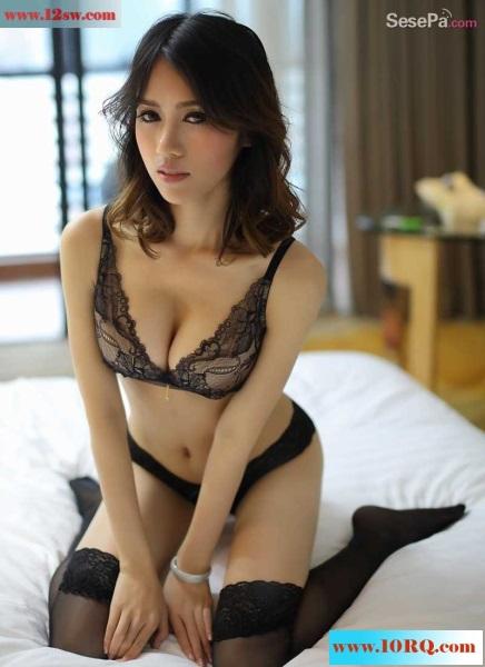 性感妖娆黑丝白丝兔女郎(21p)