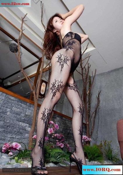 性感妖艳美貌诱人花纹网洞黑丝包裹着长腿娇身